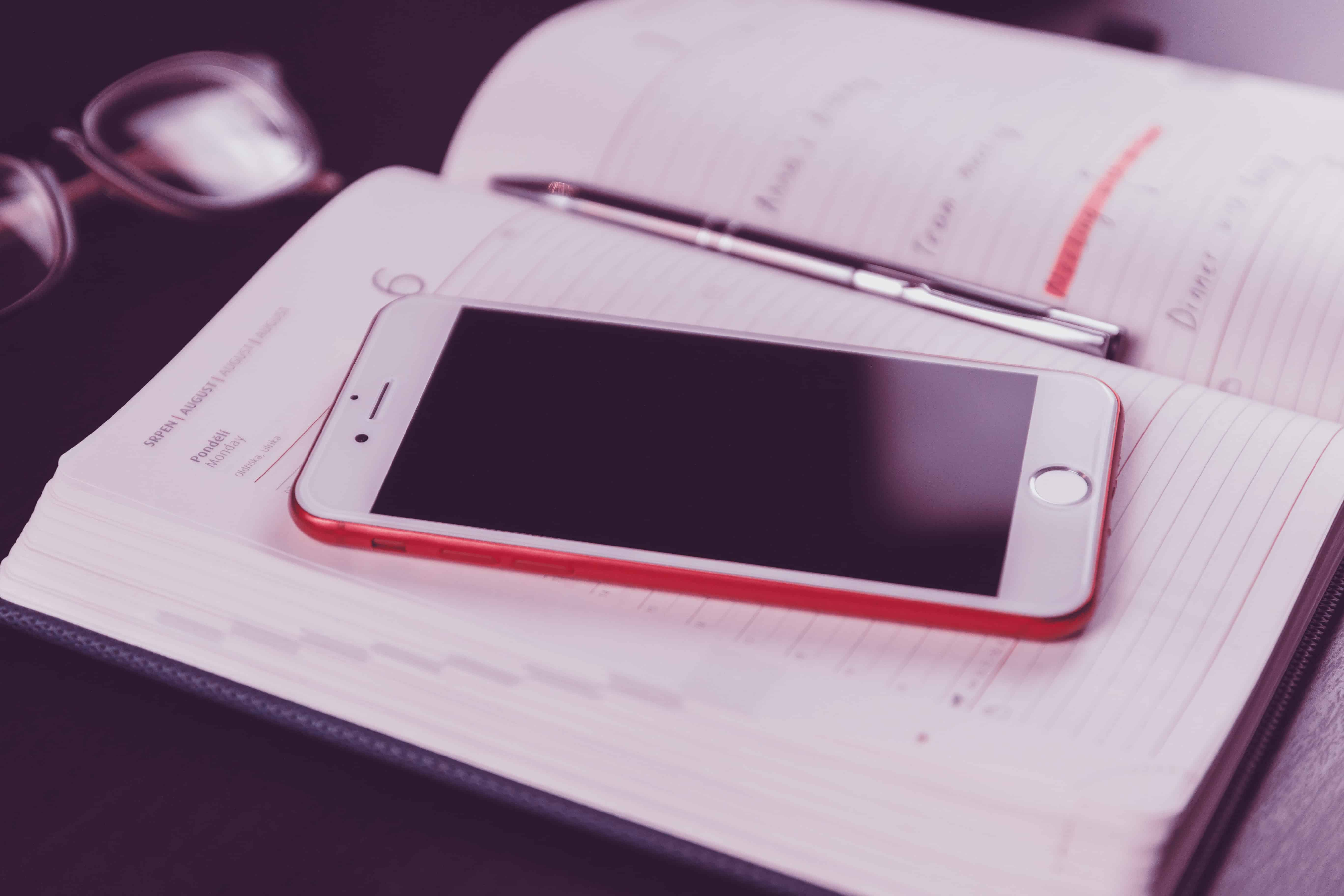 Read more about the article How To Clean Your Phone Like A Pro   iPhone Care Tips